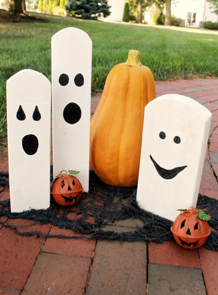 scrap wood Halloween ghosts out fo 2x4s