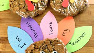 Thanksgiving turkey cookie craft with thankful feathers