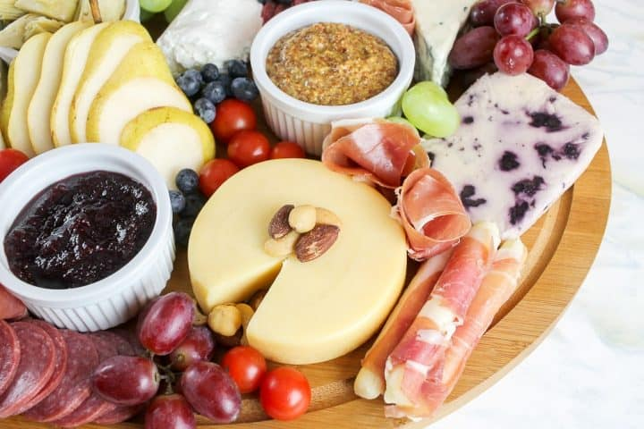 How to arrange Charcuterie Platter