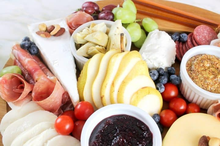How to arrange Fruit Bread Meat Charcuterie Platter