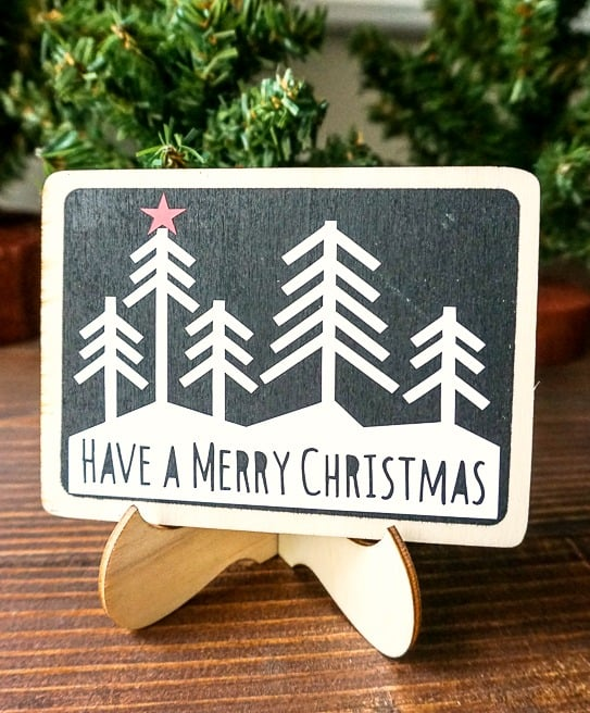how to make DIY chalkboard Christmas signs with Cricut vinyl