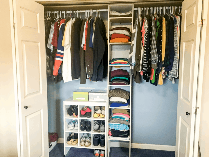 Inspiration to makeover your outdated closet in just a quick afternoon!