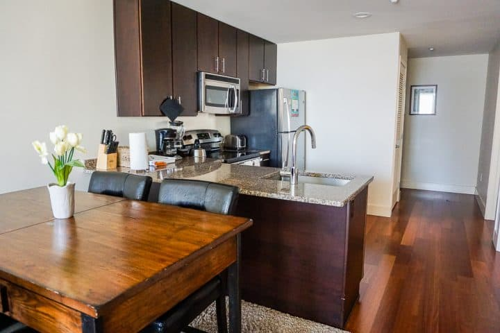 Philadelphia Rittenhouse Square Homeaway vacation full kitchen