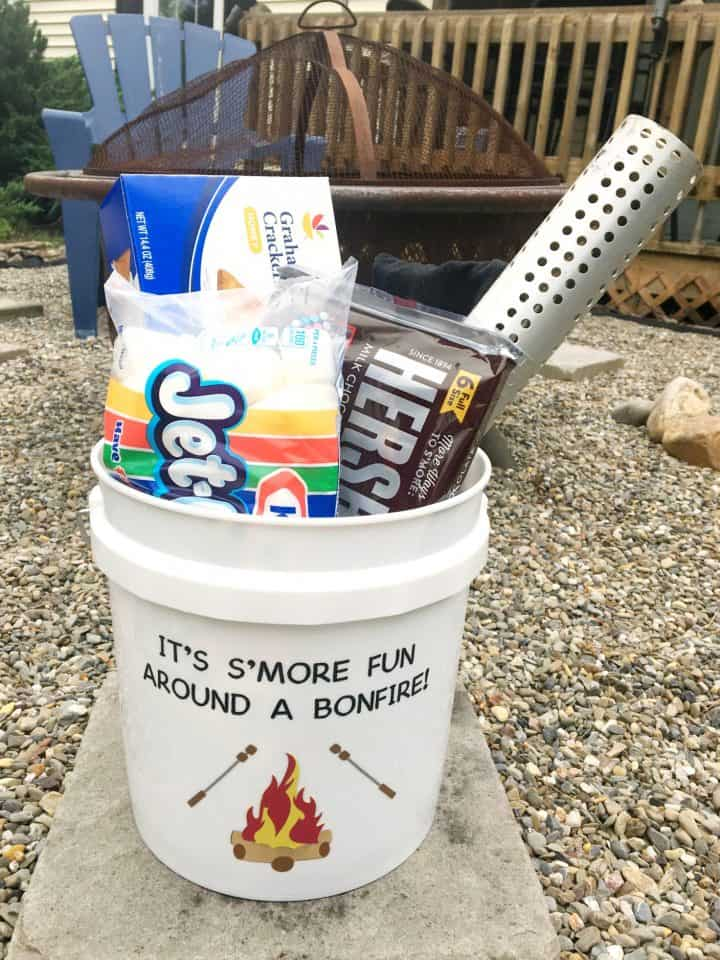 how to make a s'mores camping kit