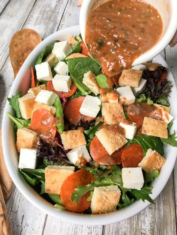 How to make pizza salad with homemade salad dressing