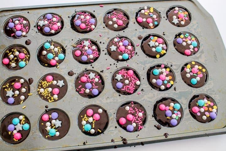 how to make chocolate caramel miniature tarts