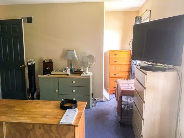 Master bedroom before easy makeover_